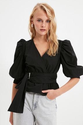 TRENDYOLMİLLA Siyah Bağlama Detaylı Balon Kol Bluz TWOAW20BZ0923