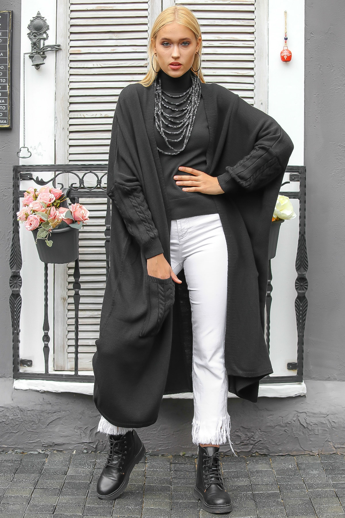 Chiccy Kadın Siyah Salaş Düğme Detaylı Triko Hırka M10010900HR99551