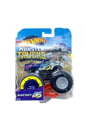 HOT WHEELS Monster 1/64 Scale Trucks Bigfoot 45th With Crushable Car