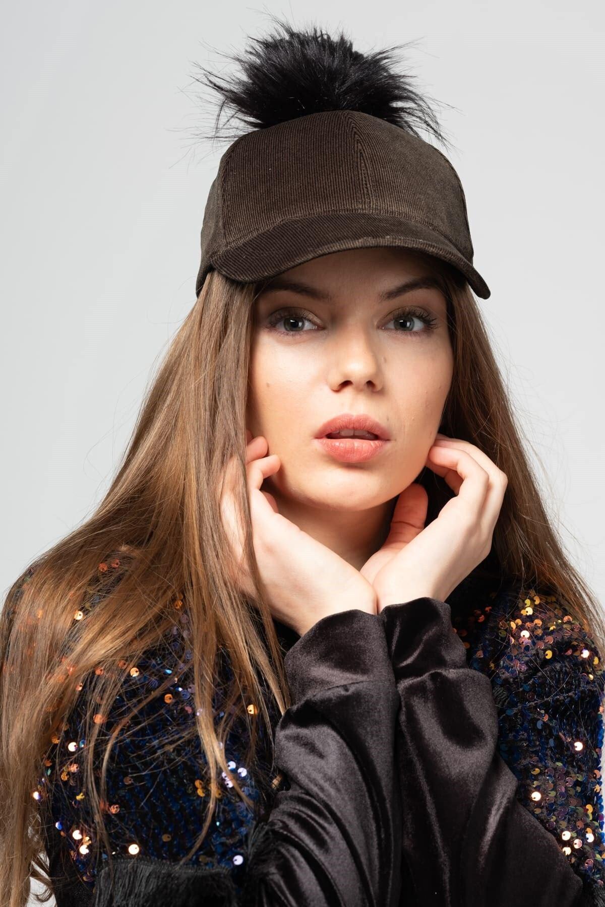 Mossta Kadın Haki Kadife Ponponlu Şapka 1