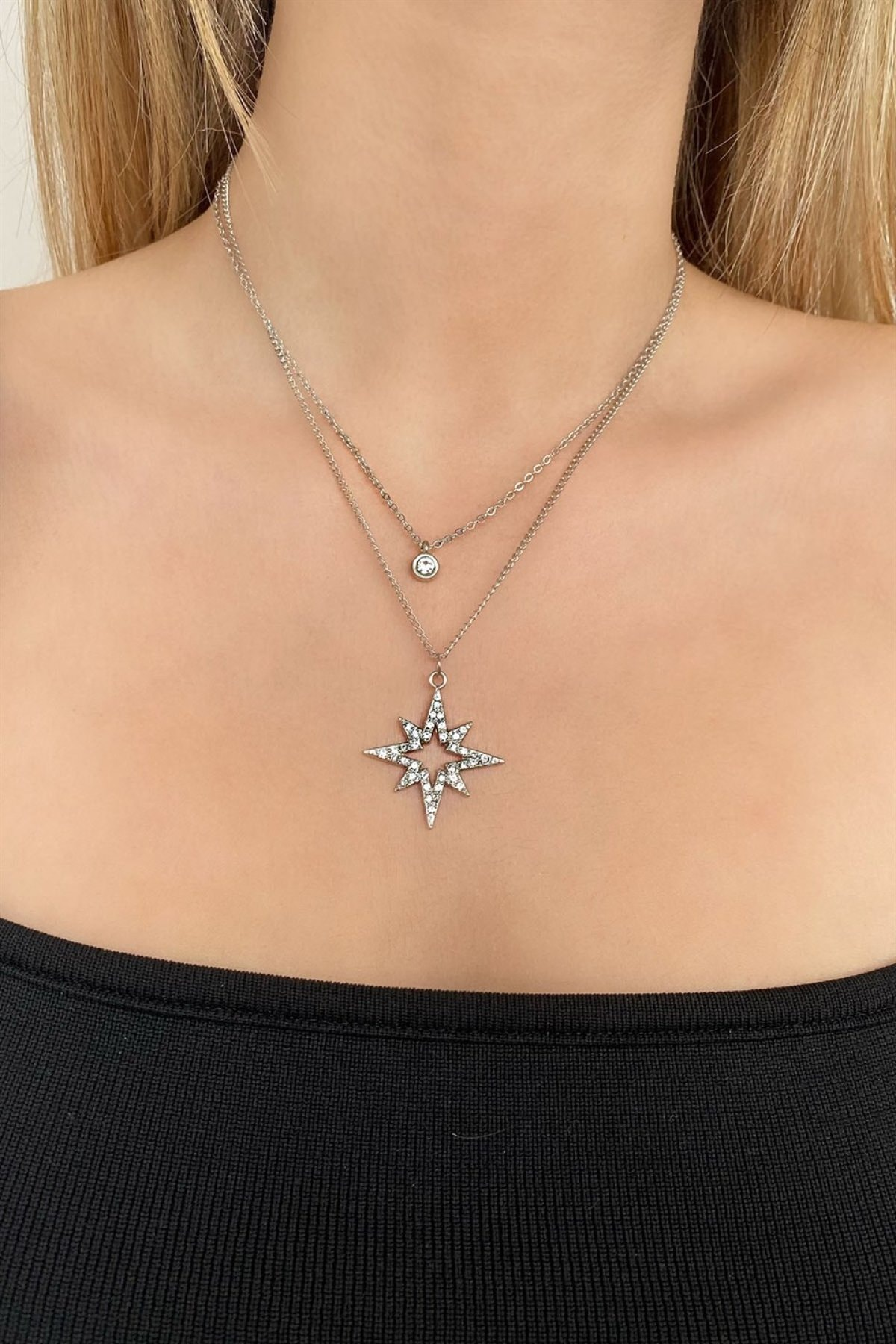 TAKIŞTIR Gümüş Renk Yıldız Figürlü Kolye 1