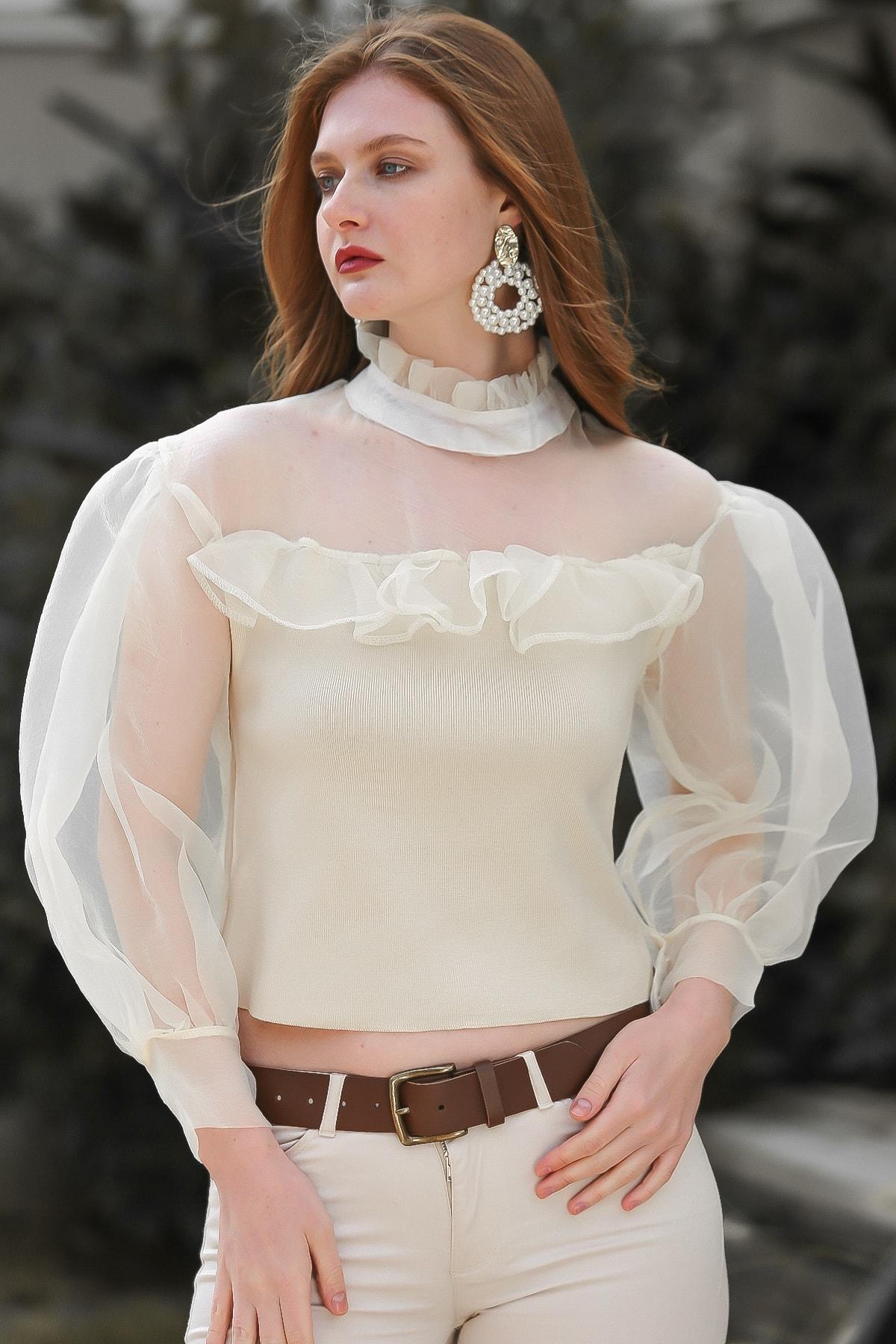 Chiccy Kadın Ekru Vintage Fırfır Yakalı Robası Ve Kolları Organze Triko Bluz M10010200BL95841