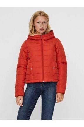 Vero Moda Kadın Kırmızı Kapüşonlu Hafif Şişme Mont 10230852