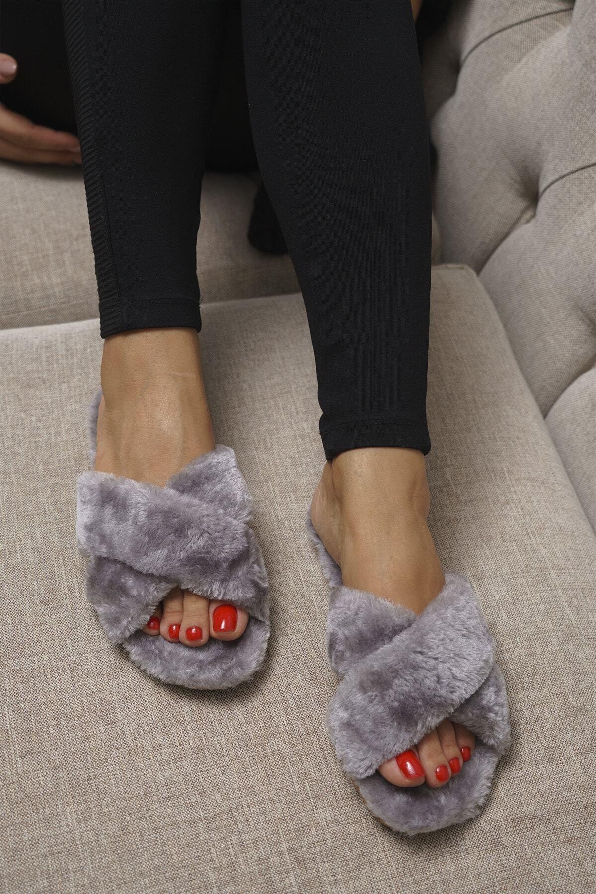 OCT Shoes Kadın Gri Çapraz Peluş Ev Terliği 1026 1