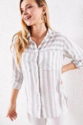 Zafoni Kadın Gri Çizgili Cepli Gömlek