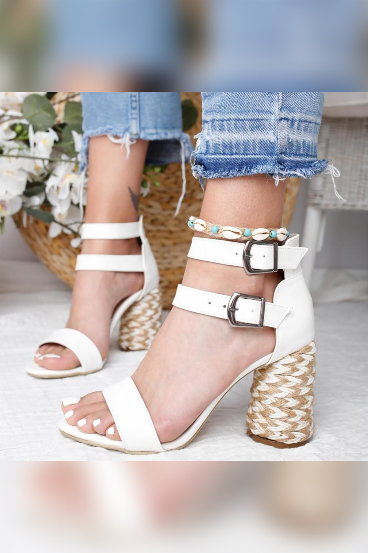 Limoya Galilea Beyaz Çift Bantlı Gerçek Hasır Topuklu Sandalet 1