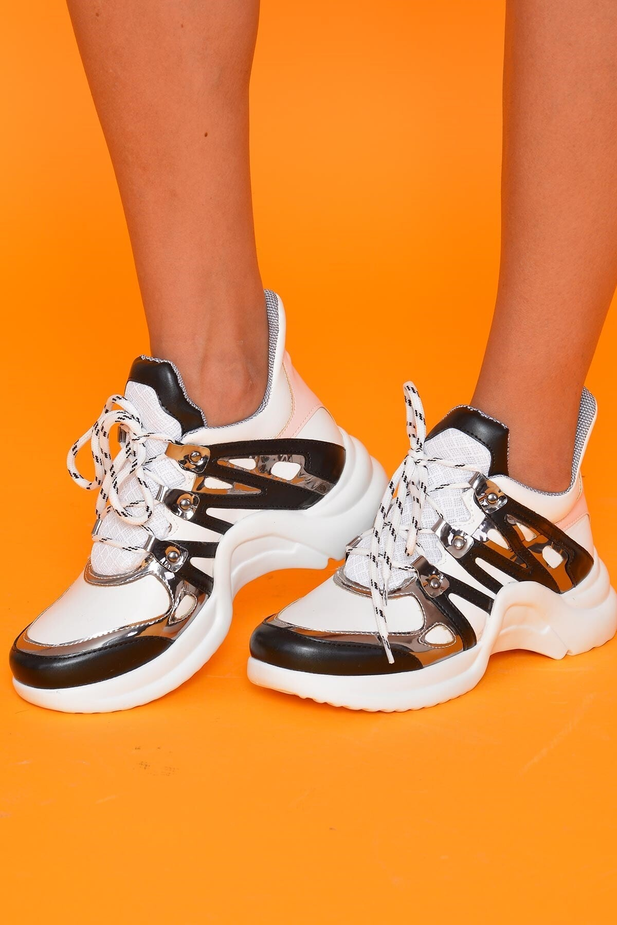 Mossta Kadın Siyah Beyaz Spor Ayakkabı 1
