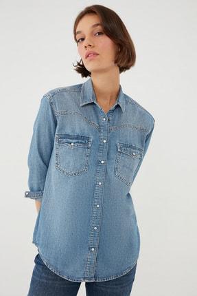 Mavi Kadın Tina Gold Puslu Mavi Zımbalı Denim Gömlek 122377-33610