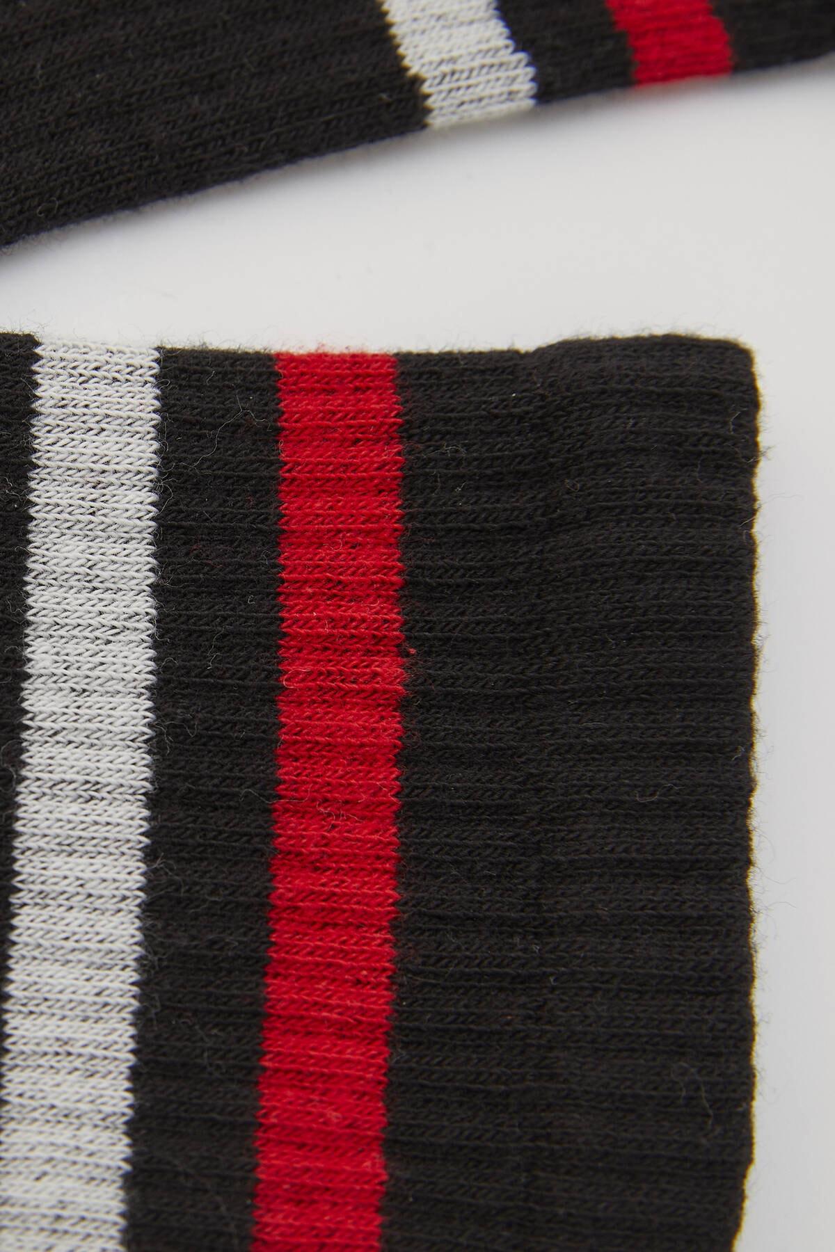 Pull & Bear Kadın Renkli Şeritli Spor Çorap 04890301 2