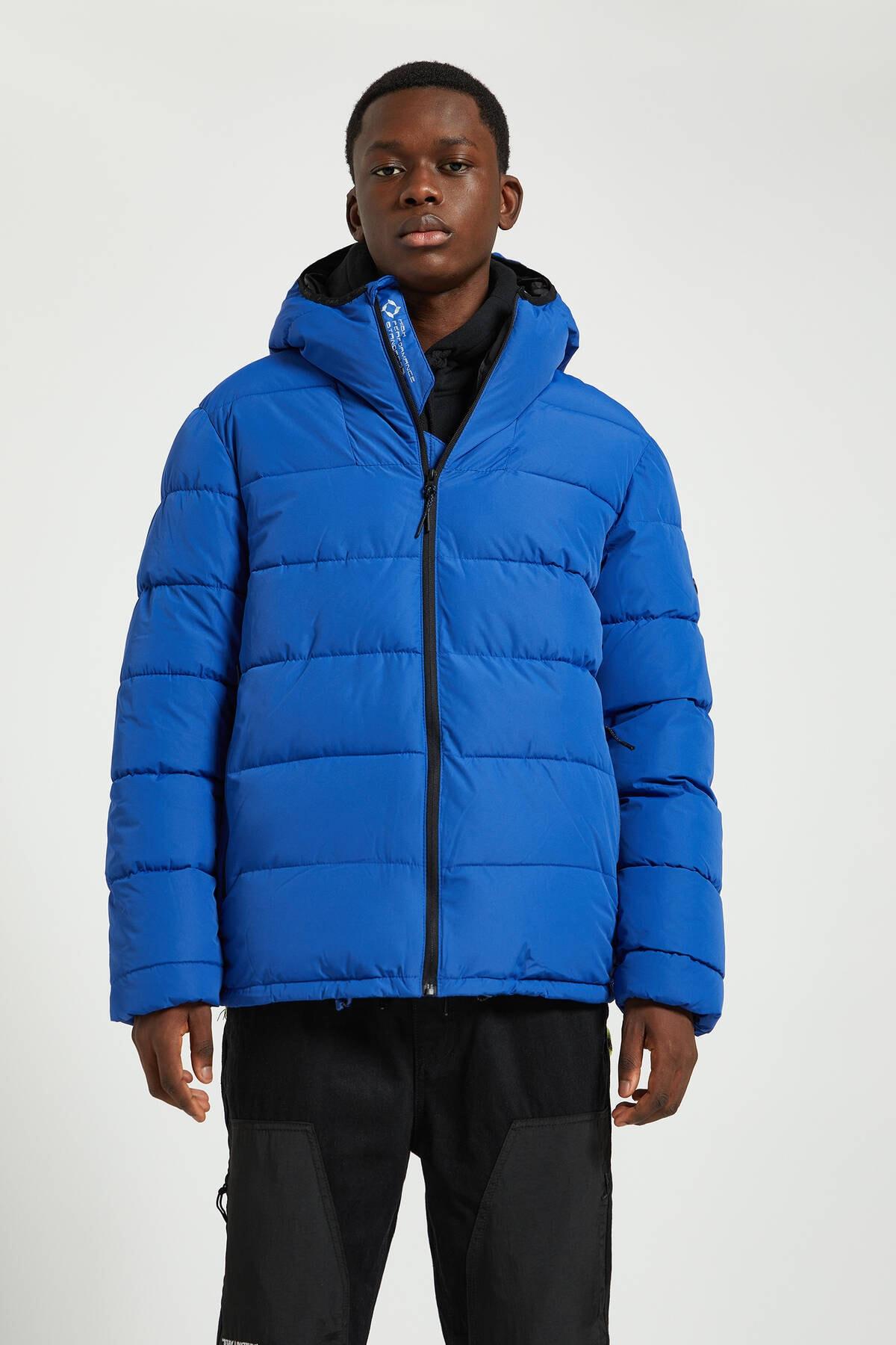 Pull & Bear Erkek Yoğun Mavi Kapüşonlu Basic Şişme Mont 09710907