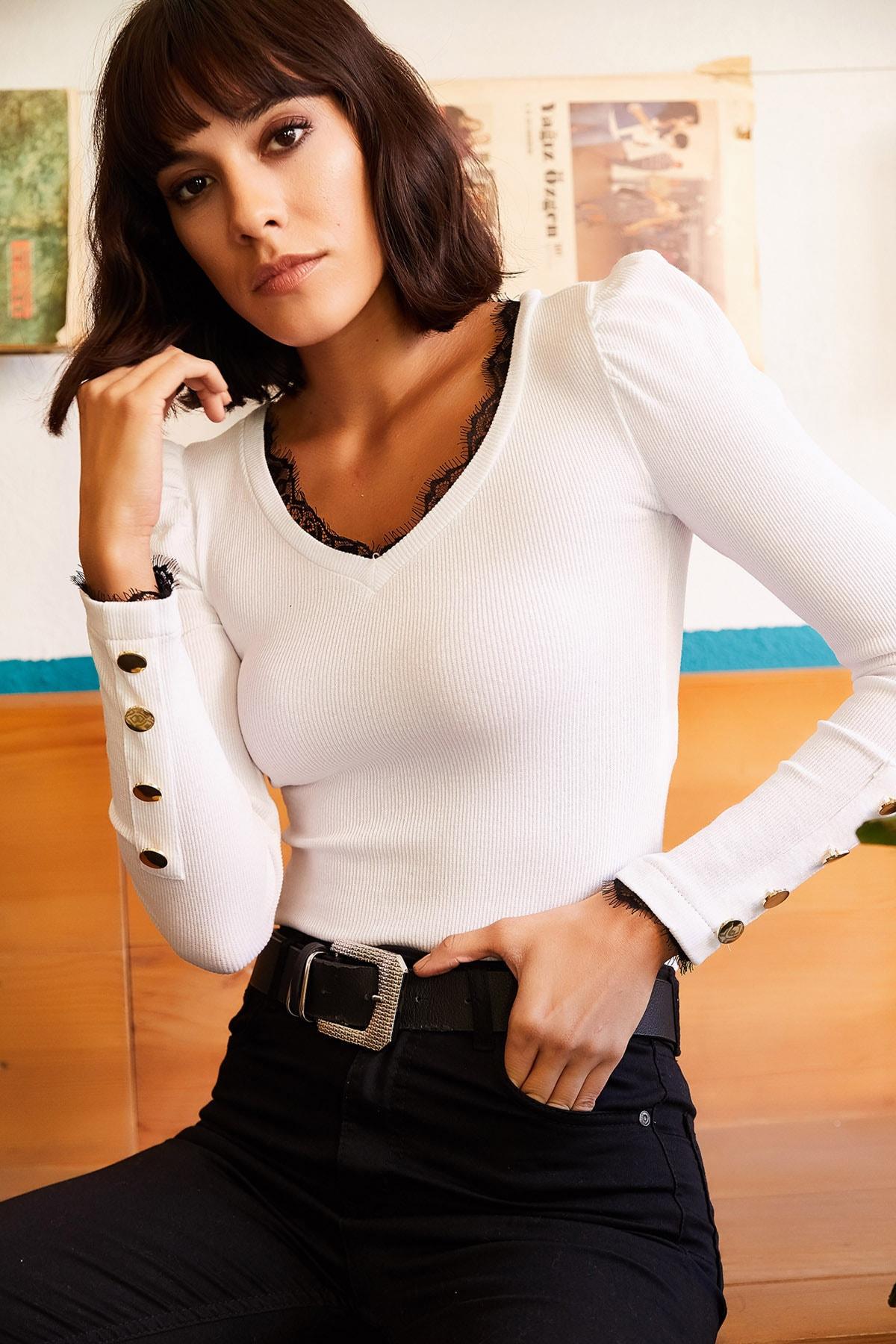 Olalook Kadın Beyaz Yaka Dantelli Kolu Düğmeli Kaşkorse Bluz BLZ-19001205 2
