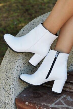 SAYKMAR Kadın Klasik Sade Topuklu Beyaz Bot