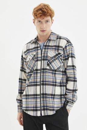TRENDYOL MAN Bej Erkek Regular Fit Gömlek Yaka Çift Cep Kapaklı Fermuarlı Oduncu Ekose Gömlek TMNAW22GO0060