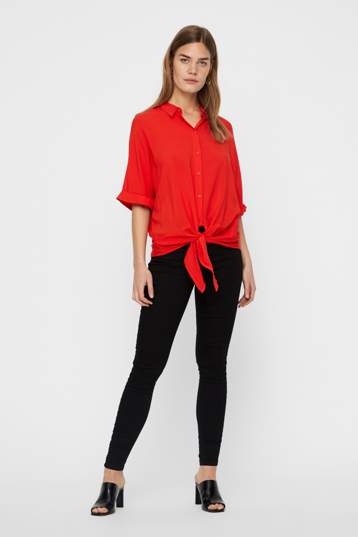 Vero Moda Kadın Kırmızı Yarasa Kol Bağlama Detaylı Viskon Gömlek 10214788 VMKHLOE 2