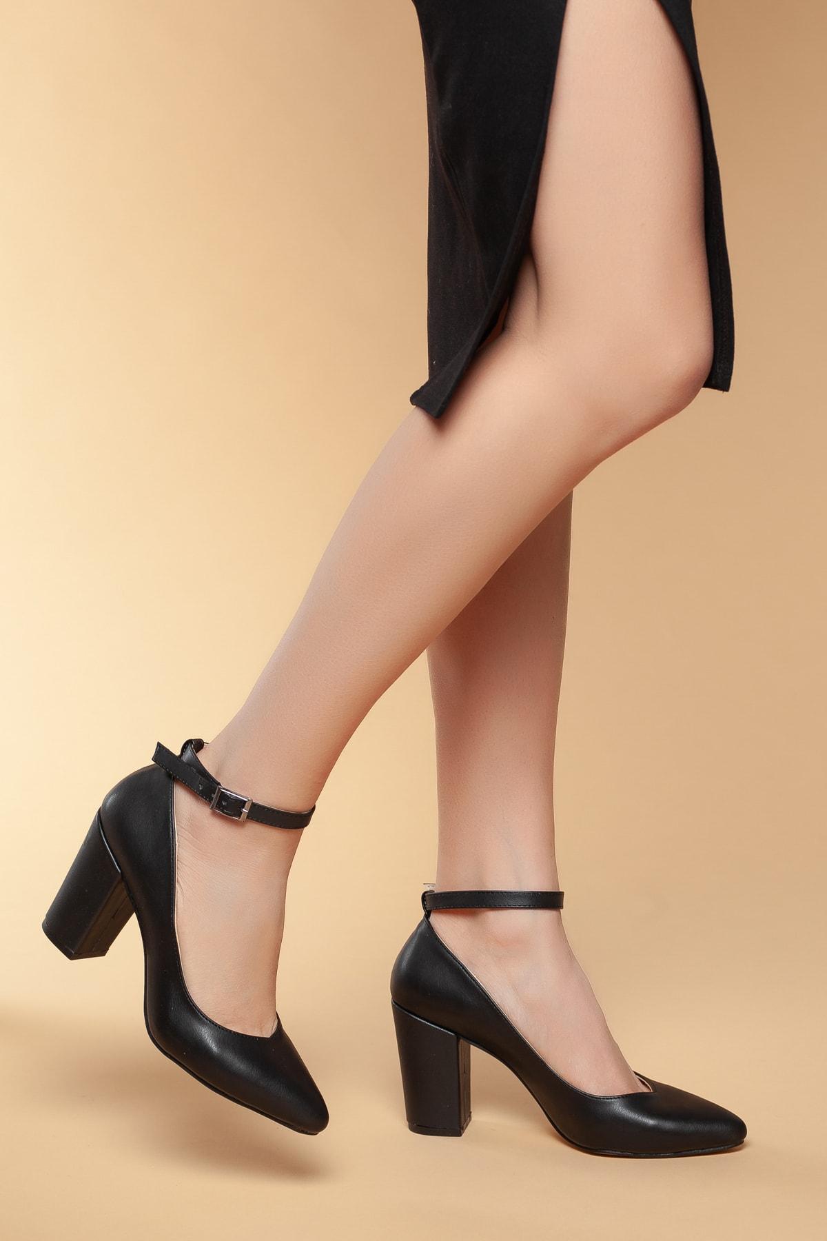 Daxtors Siyah Kadın Klasik Topuklu Ayakkabı DXTRSWMNYK715 1