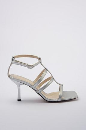 TRENDYOLMİLLA Gümüş Kadın Klasik Topuklu Ayakkabı TAKSS20TO0329