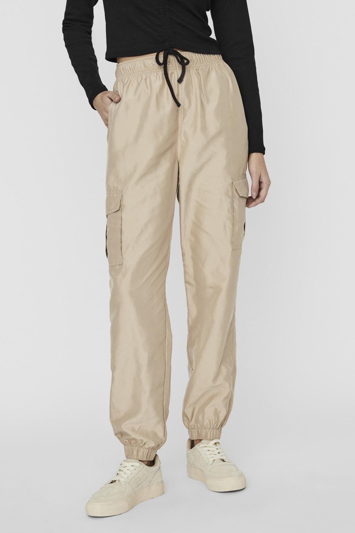 Vero Moda Kadın Bej Paçası Lastikli Paraşüt Kumaş Pantolon 10225923 VMSIENNA 1