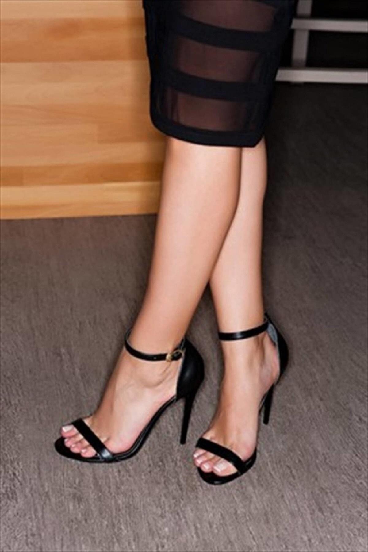 Fox Shoes Siyah Kadın Topuklu Ayakkabı 1