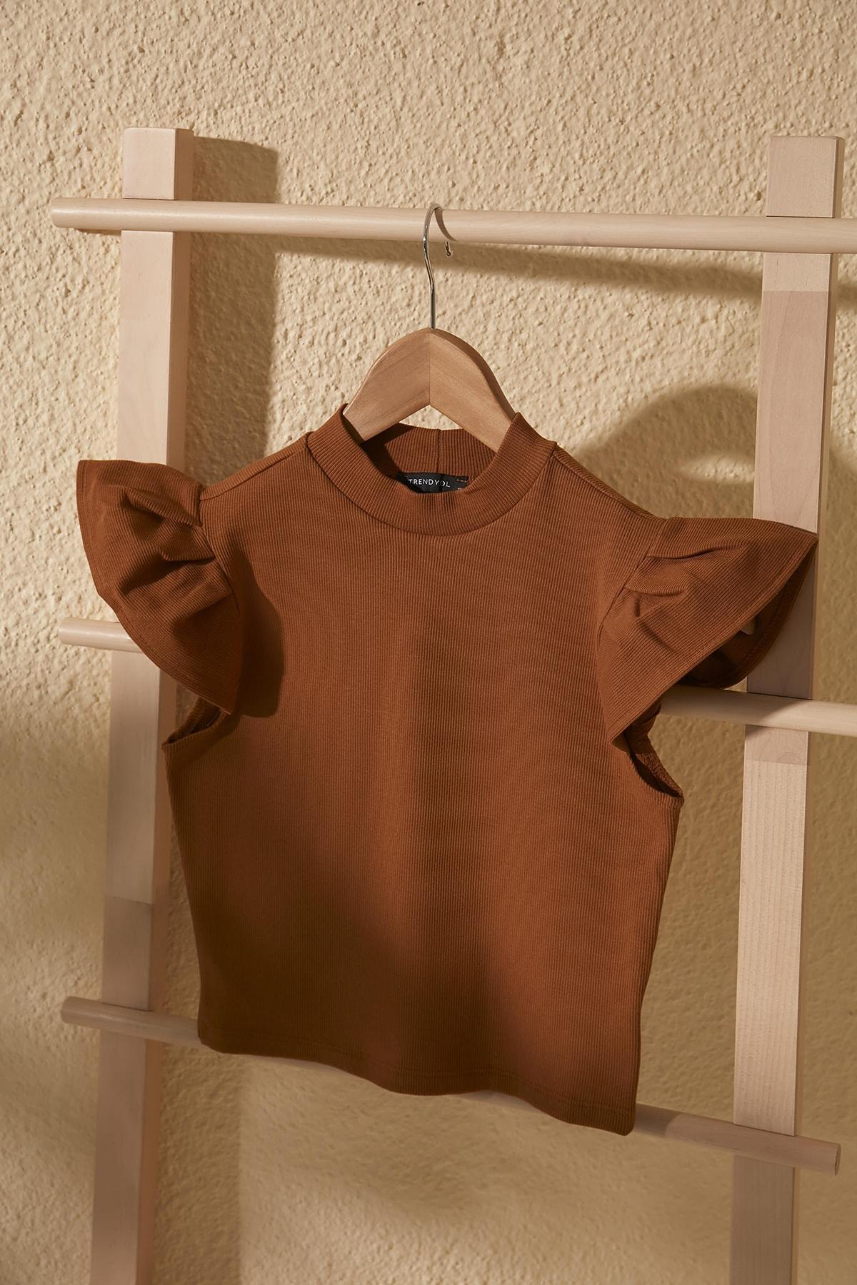TRENDYOLMİLLA Camel Crop Örme Bluz TWOSS20BZ0786 1