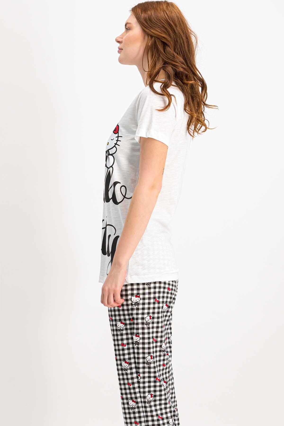 Hello Kitty Kadın Lisanslı Krem Pijama Takımı 2