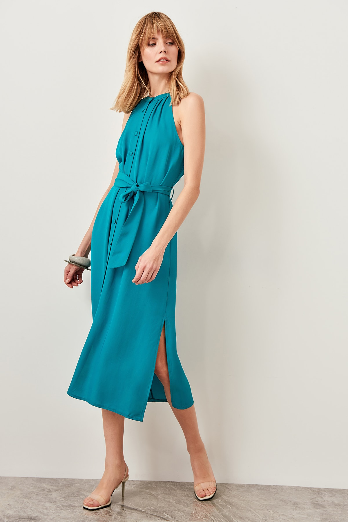 TRENDYOLMİLLA Zümrüt Yeşili Kuşaklı Gömlek Elbise TWOSS19XM0112 1