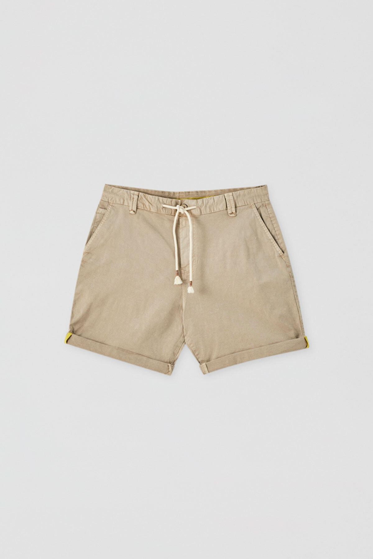 Pull & Bear Erkek Bej Kumaş Boyalı Basic Bermuda 05690504