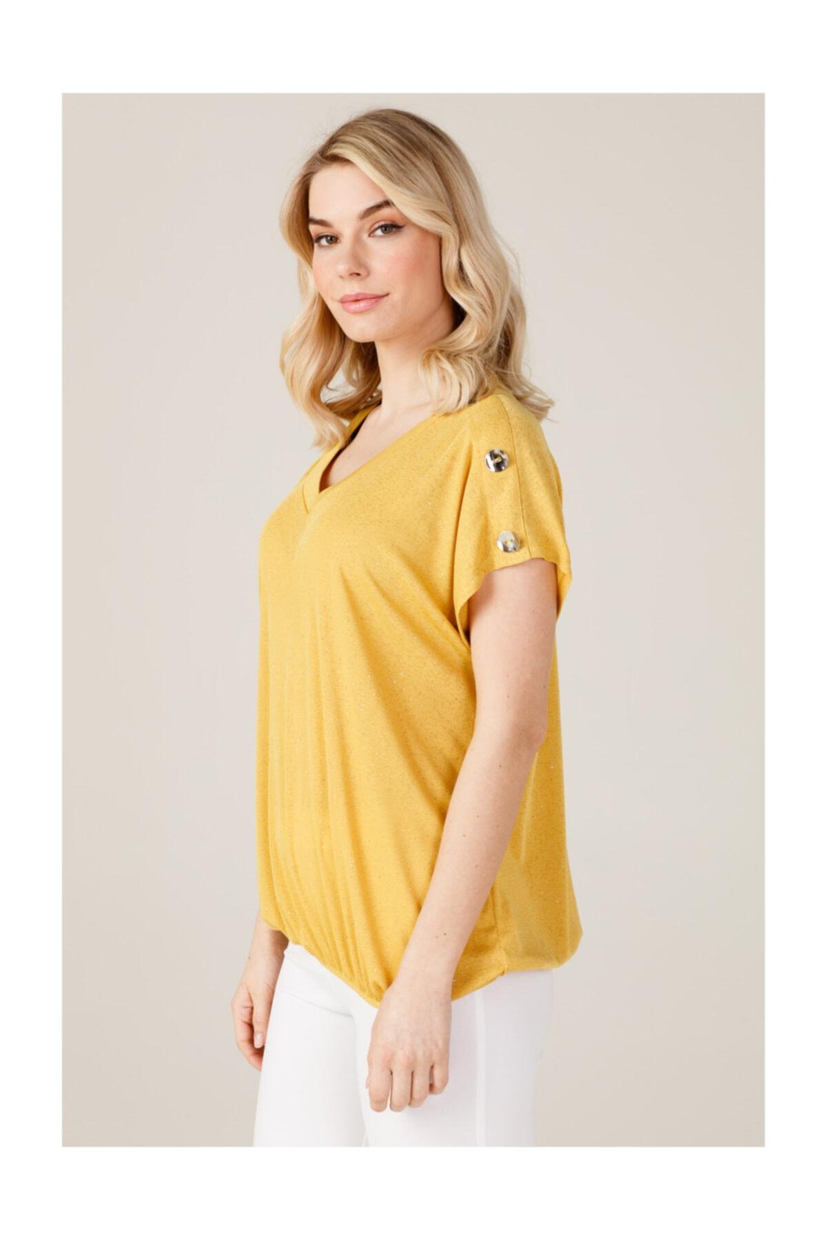 ON Kadın Omuzları Düğmeli T-shirt 2