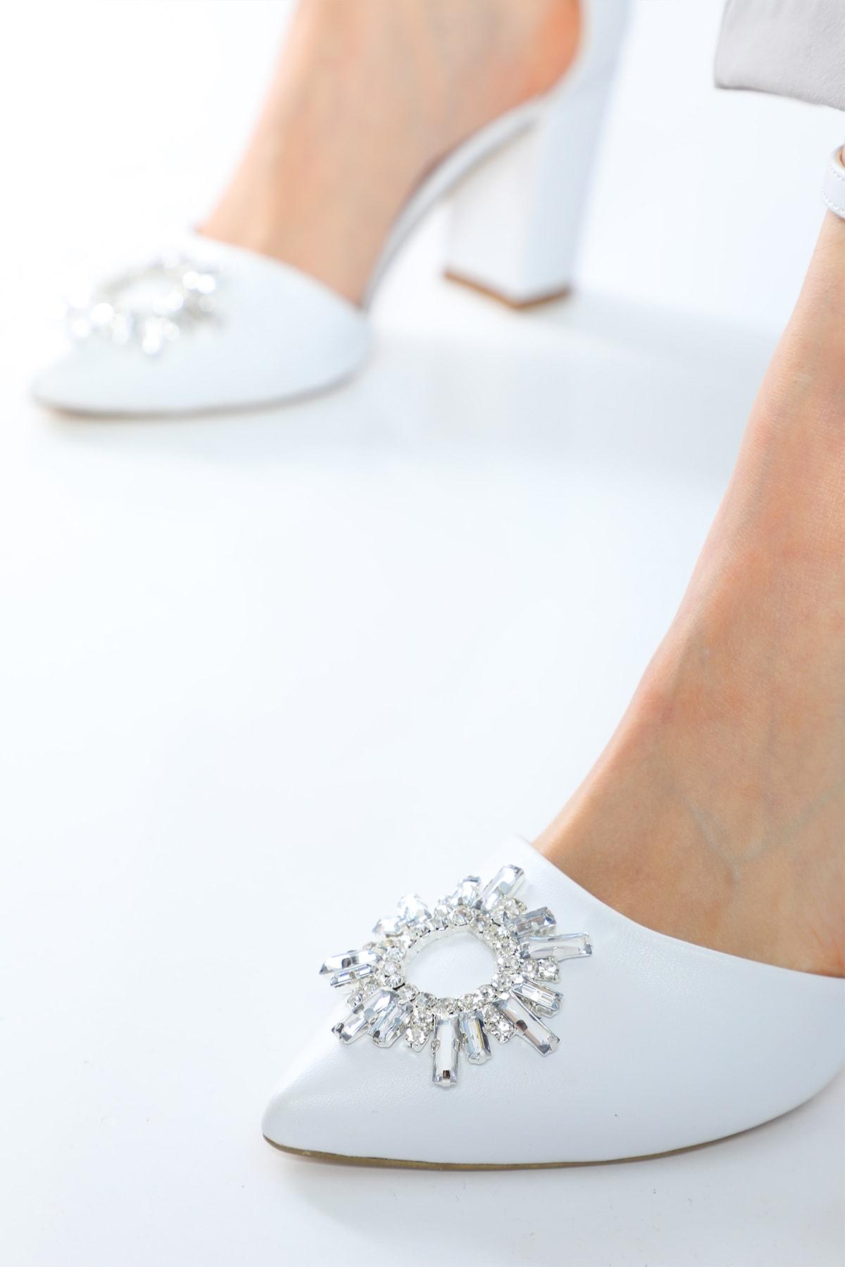 Nizar Deniz Maureen Beyaz Mat  Sivri 8cm Kristal Taşlı Kalın Topuklu Kadın Ayakkabı 1