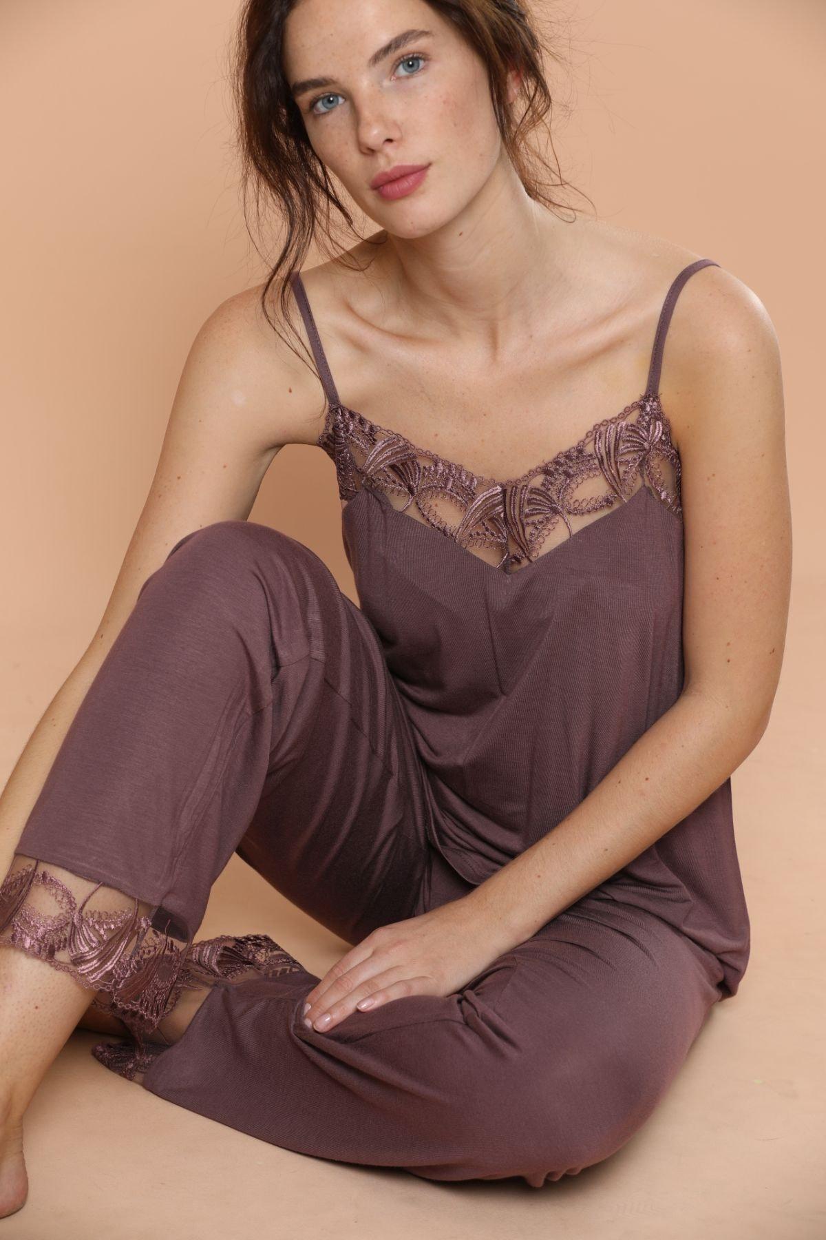 Siyah İnci Ip Askılı Dantel Detaylı Viskon Pijama Takım 1