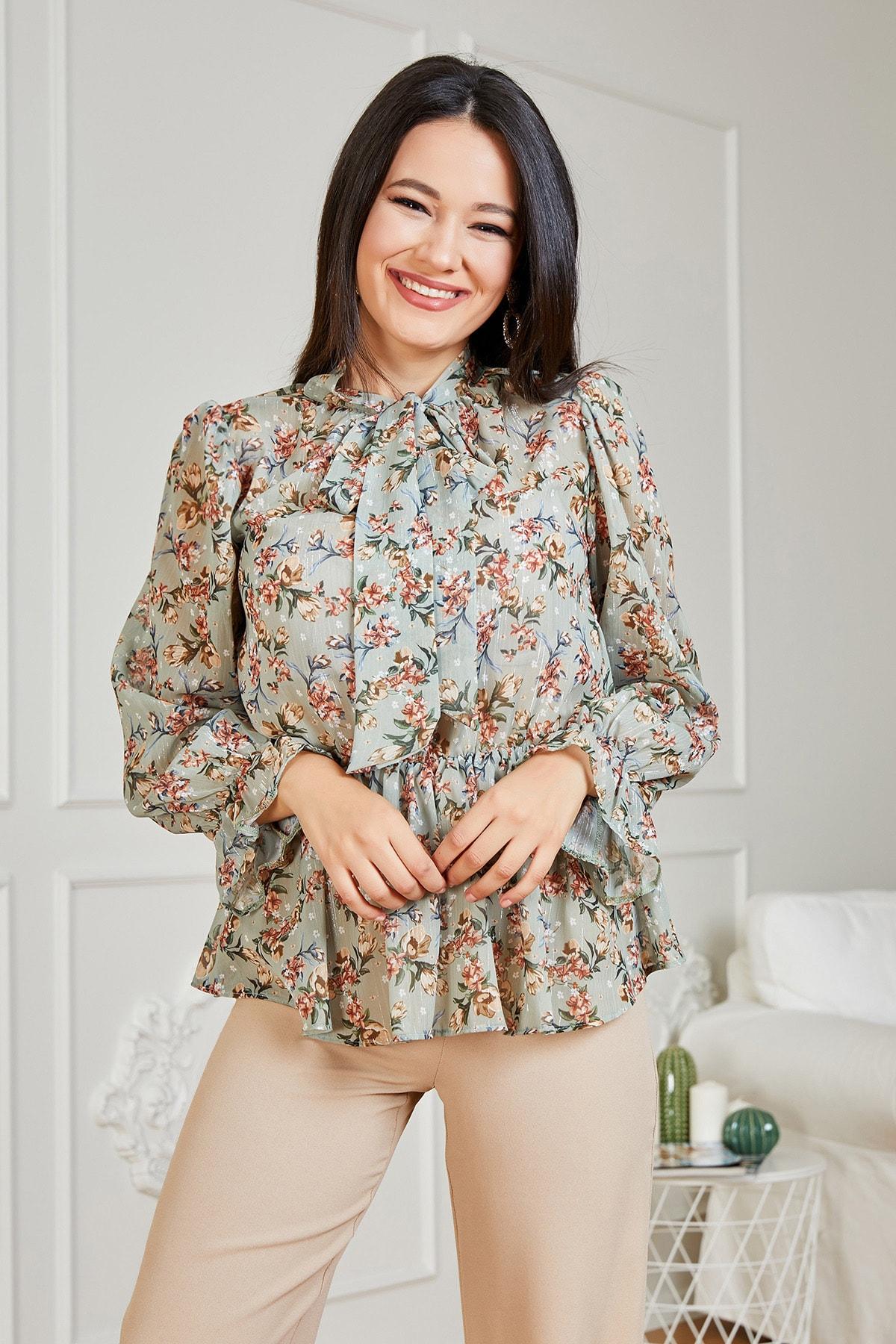 Sateen Kadın Haki Çiçek Desenli Fularlı Bluz STN139KBL228