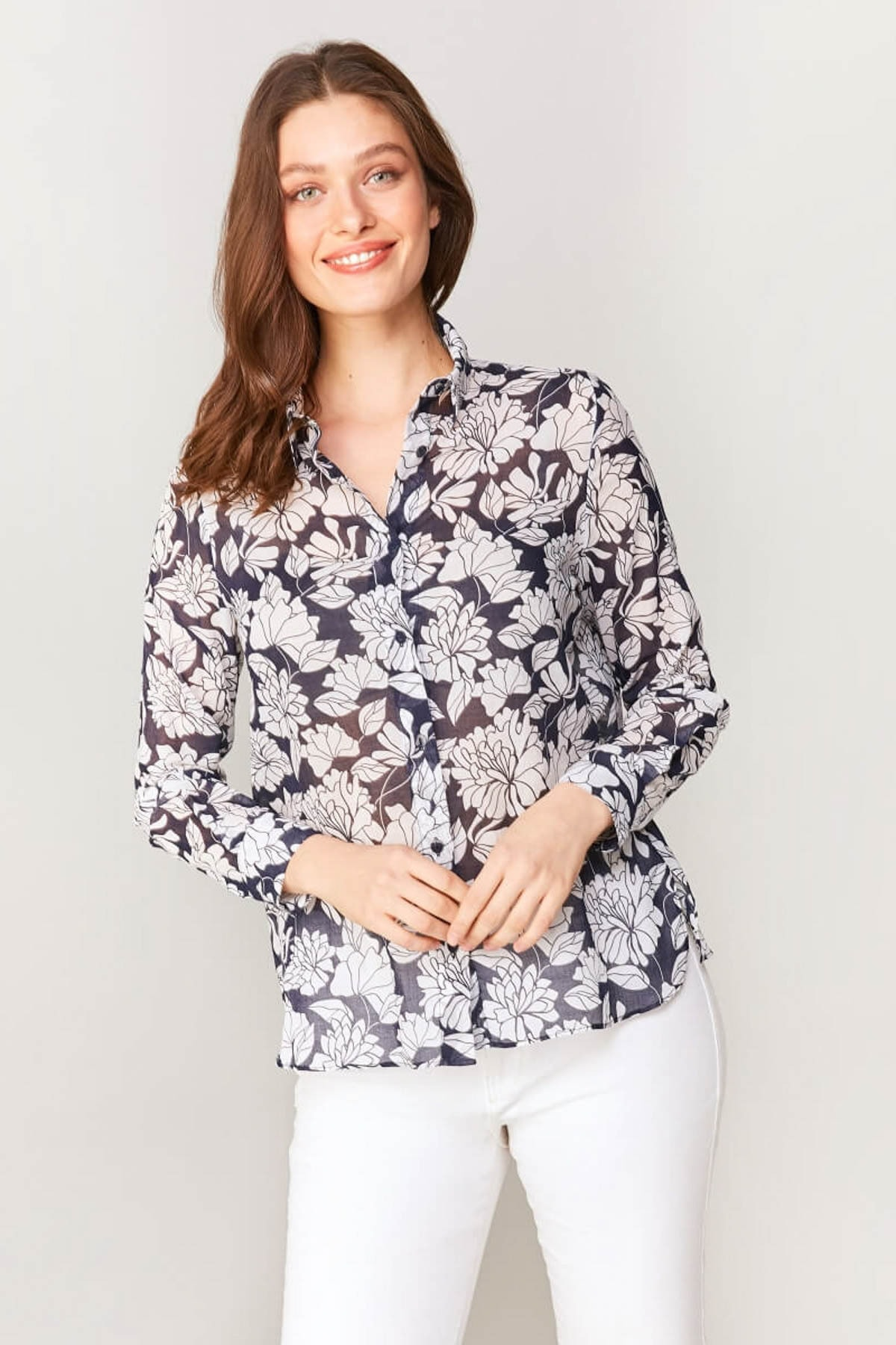 Faik Sönmez Kadın Lacivert Çiçek Desenli Monochrom Vual Gömlek 60081 U60081 1