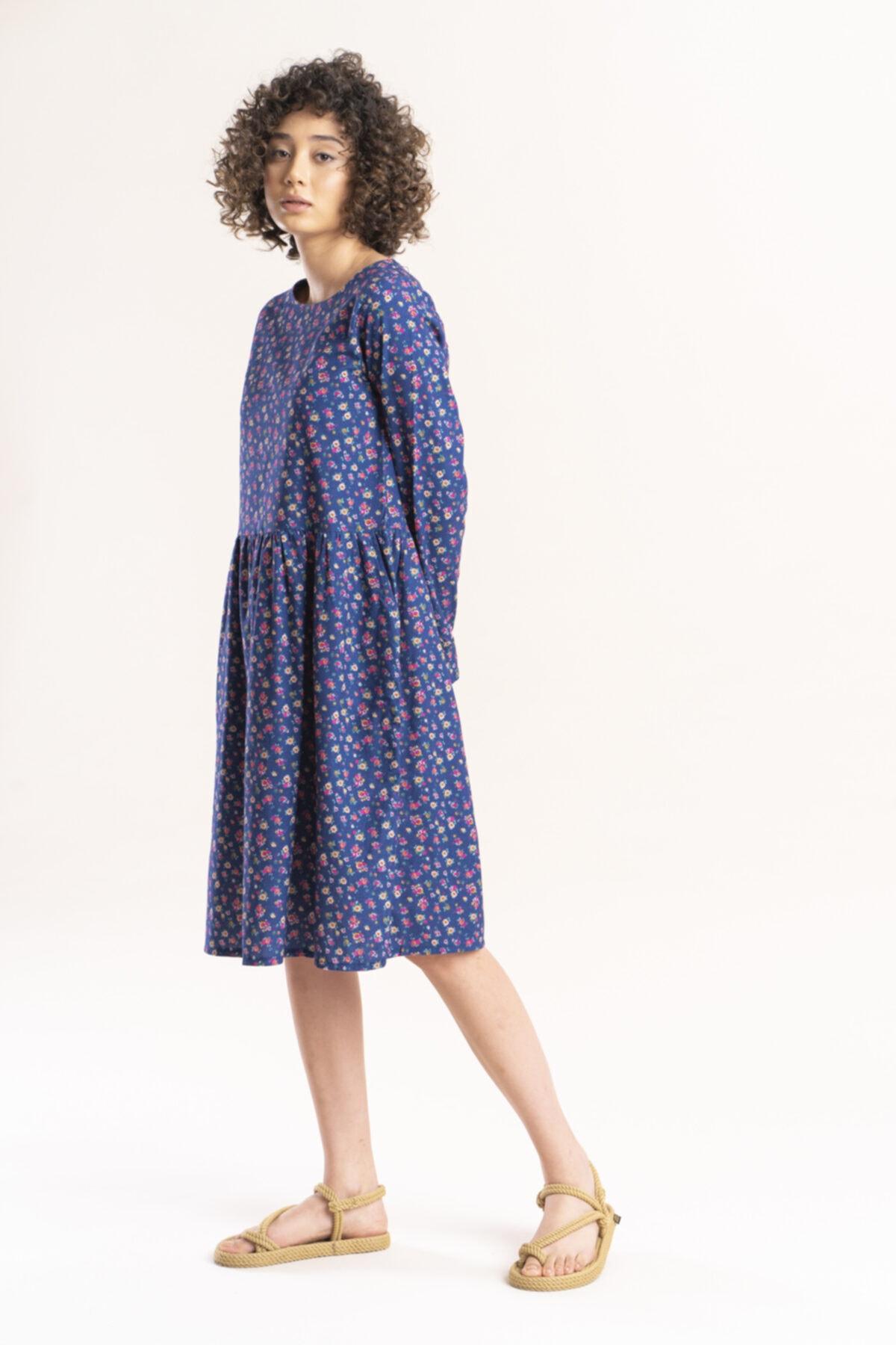 İpekçi Otantik Kadın Lacivert Otantik Çiçek Desenli Pazen Elbise 1