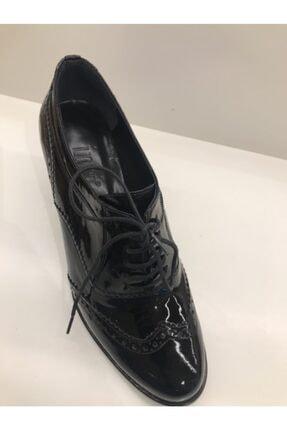 İnci Kalın Siyah Topuklu Rugan Ayakkabı