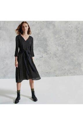 Yargıcı Kadın Siyah V Yakalı Kemerli Elbise
