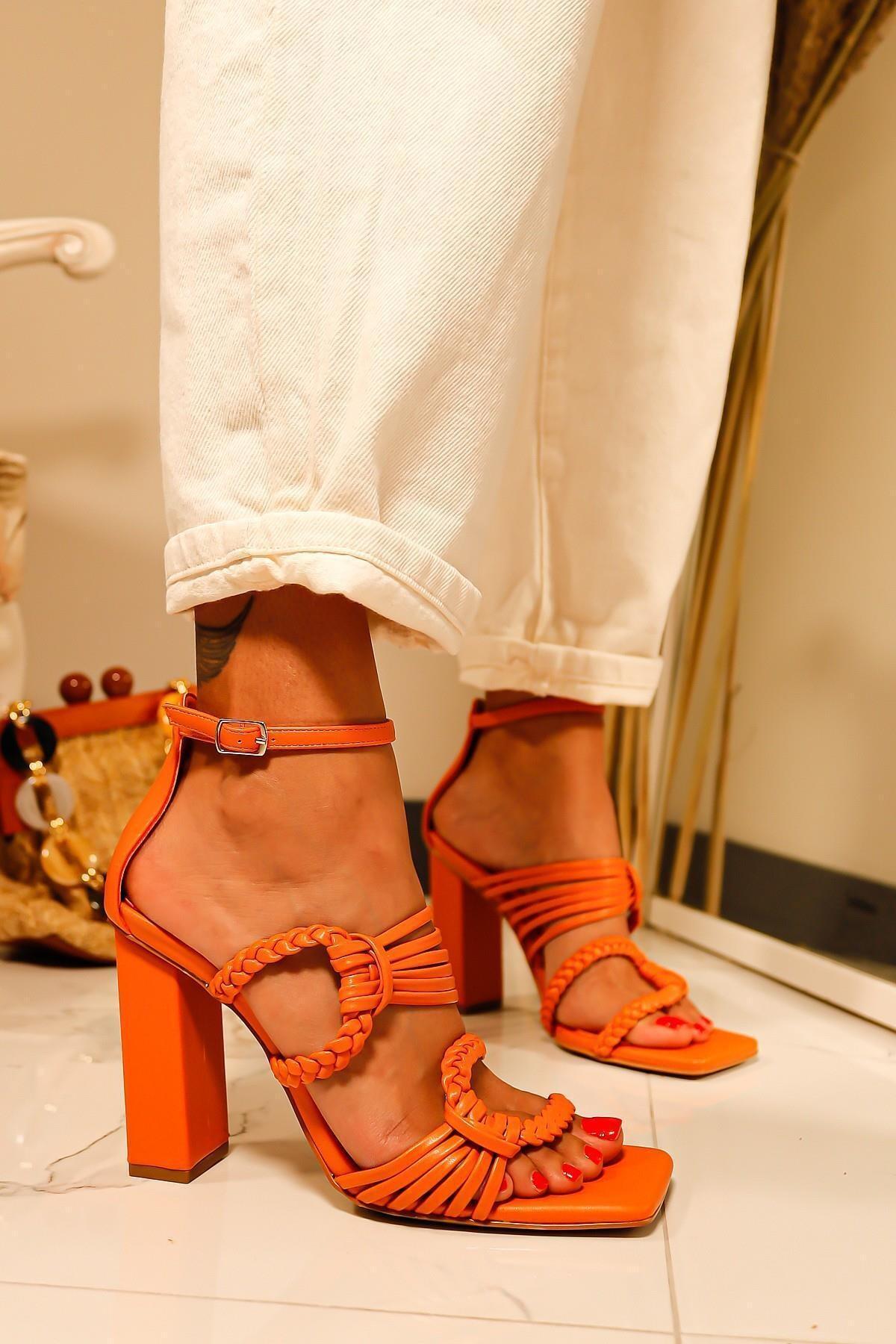Limoya Kadın Turuncu Örgü Detaylı Topuklu Sandalet 1
