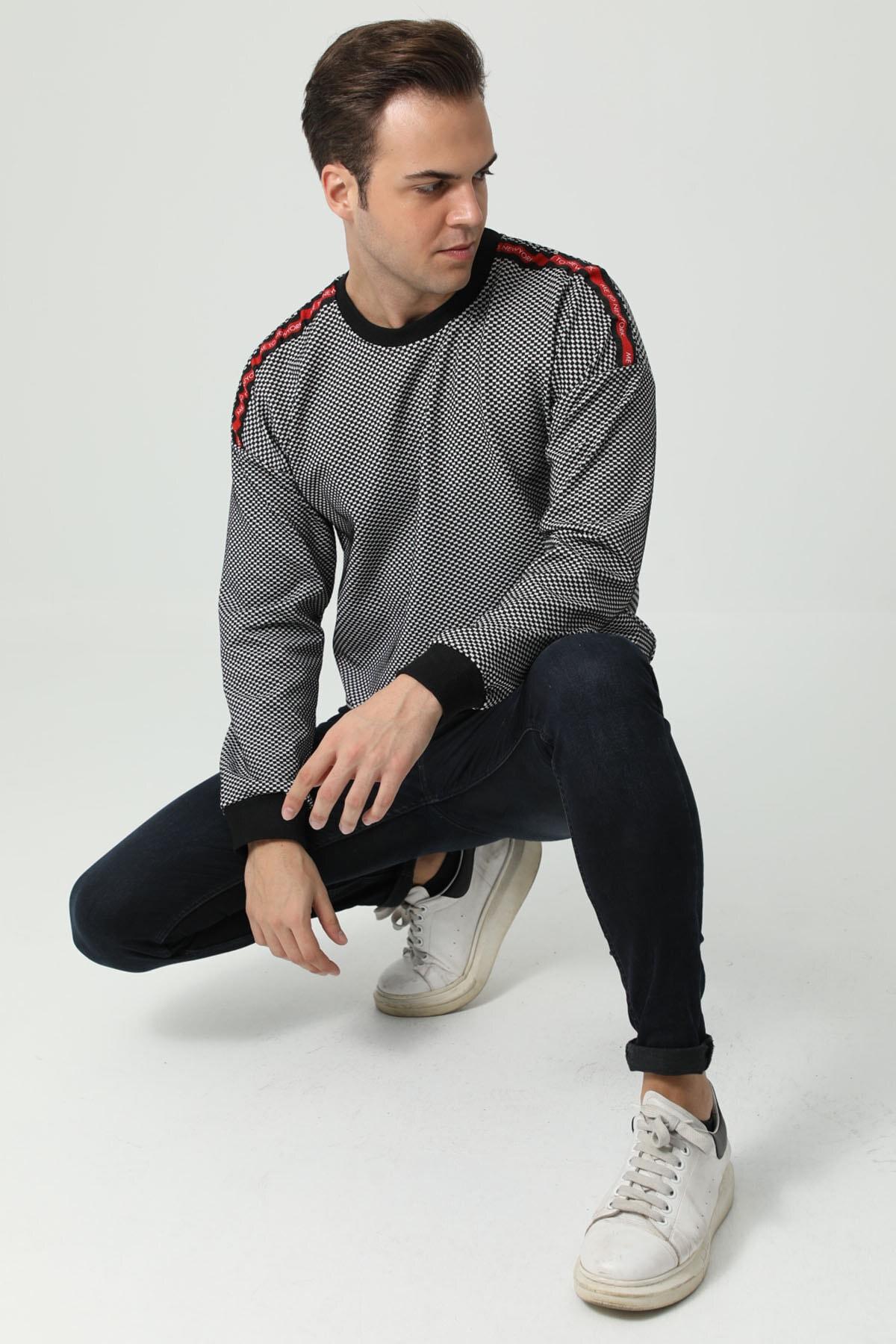 İzolli Erkek Siyah Uzun Kollu Bisiklet Yaka Omuz Şeritli Sweatshirt 1