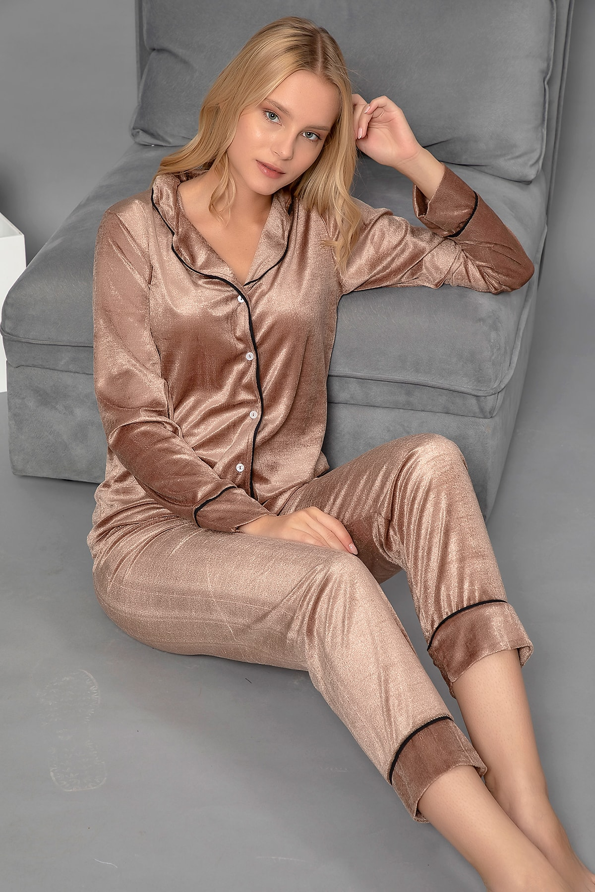 ELİTOL Kadın Kahverengi Düğmeli Kadife Pijama Takım