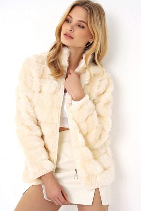 Trend Alaçatı Stili Kadın Krem Peluş Suni Kürk Ceket