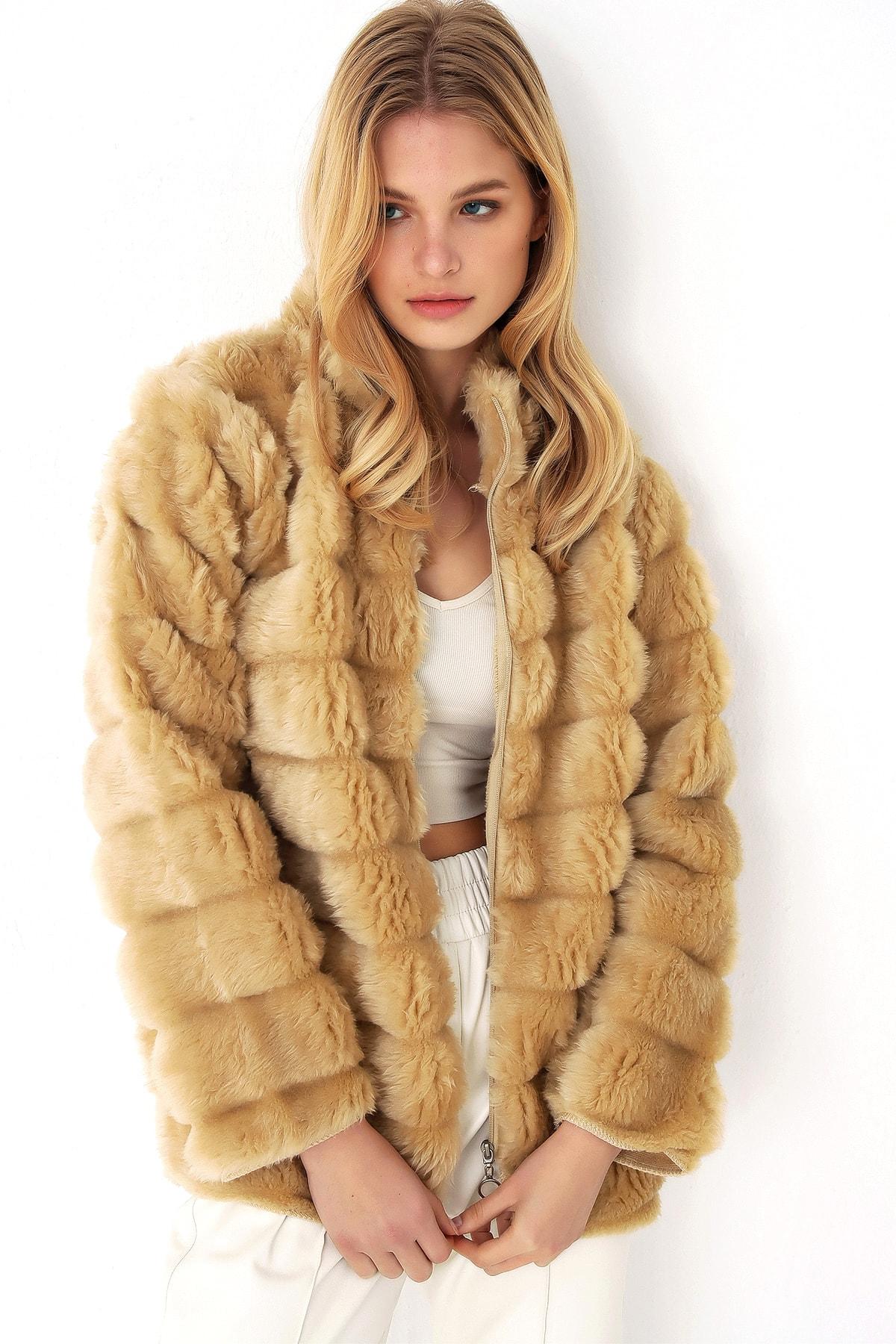 Trend Alaçatı Stili Kadın Camel Peluş Suni Kürk Ceket 1