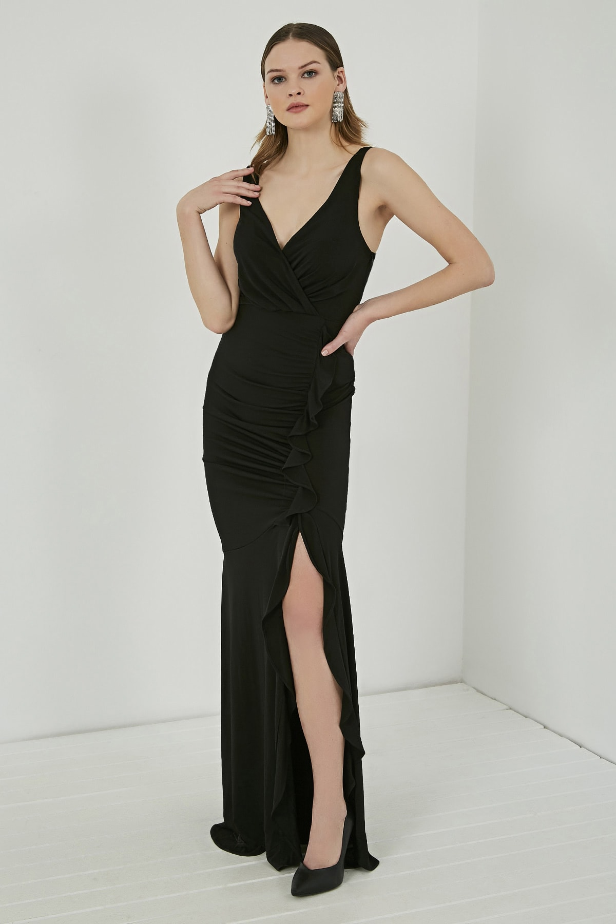 Sateen Kadın Siyah Fırfırlı Yırtmaçlı Uzun Abiye Elbise  STN107KEL120 1