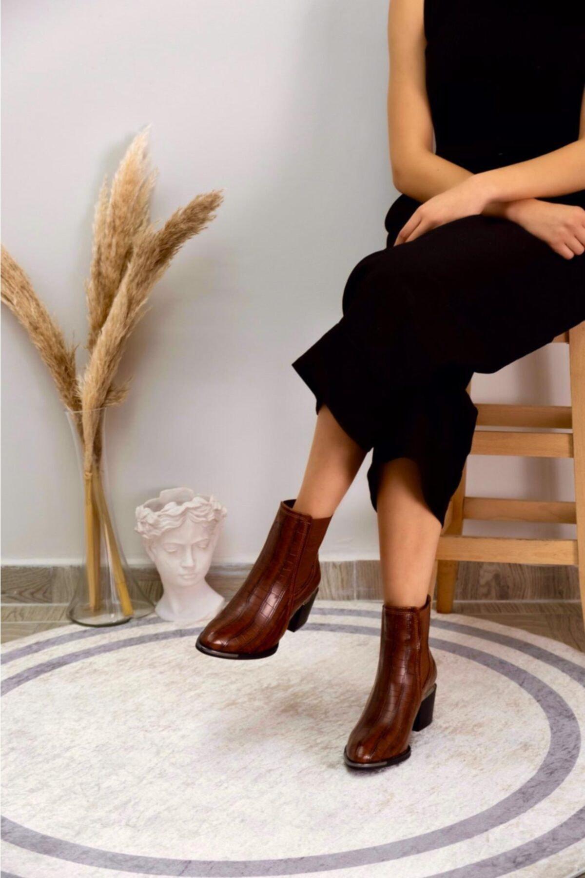 KUPON SHOES Kadın Kahverengi Topuklu Bot 1