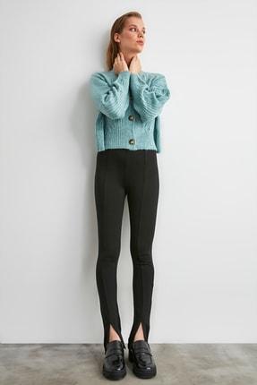TRENDYOLMİLLA Siyah Yırtmaçlı İnterlok Örme Pantolon TWOAW21PL0263