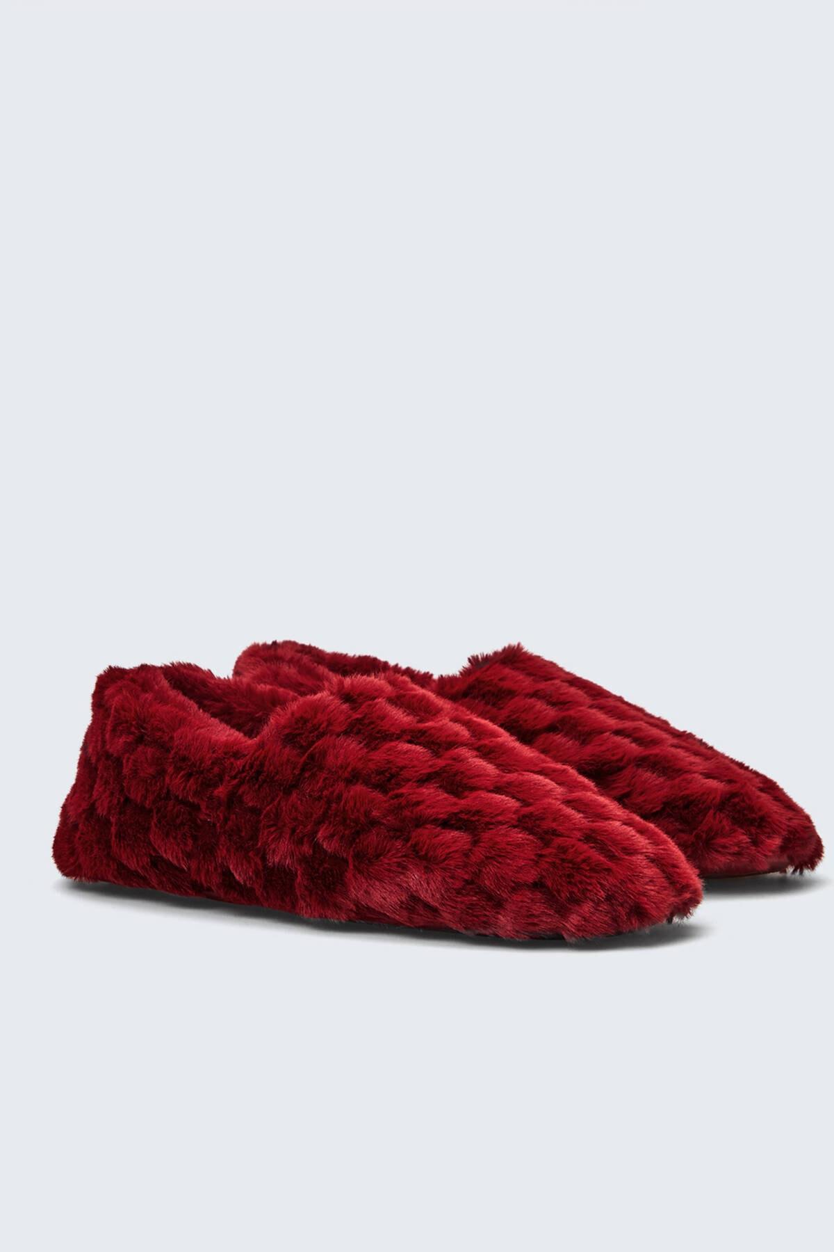 Oysho Kadın Kırmızı Kapalı Ev Ayakkabısı 1