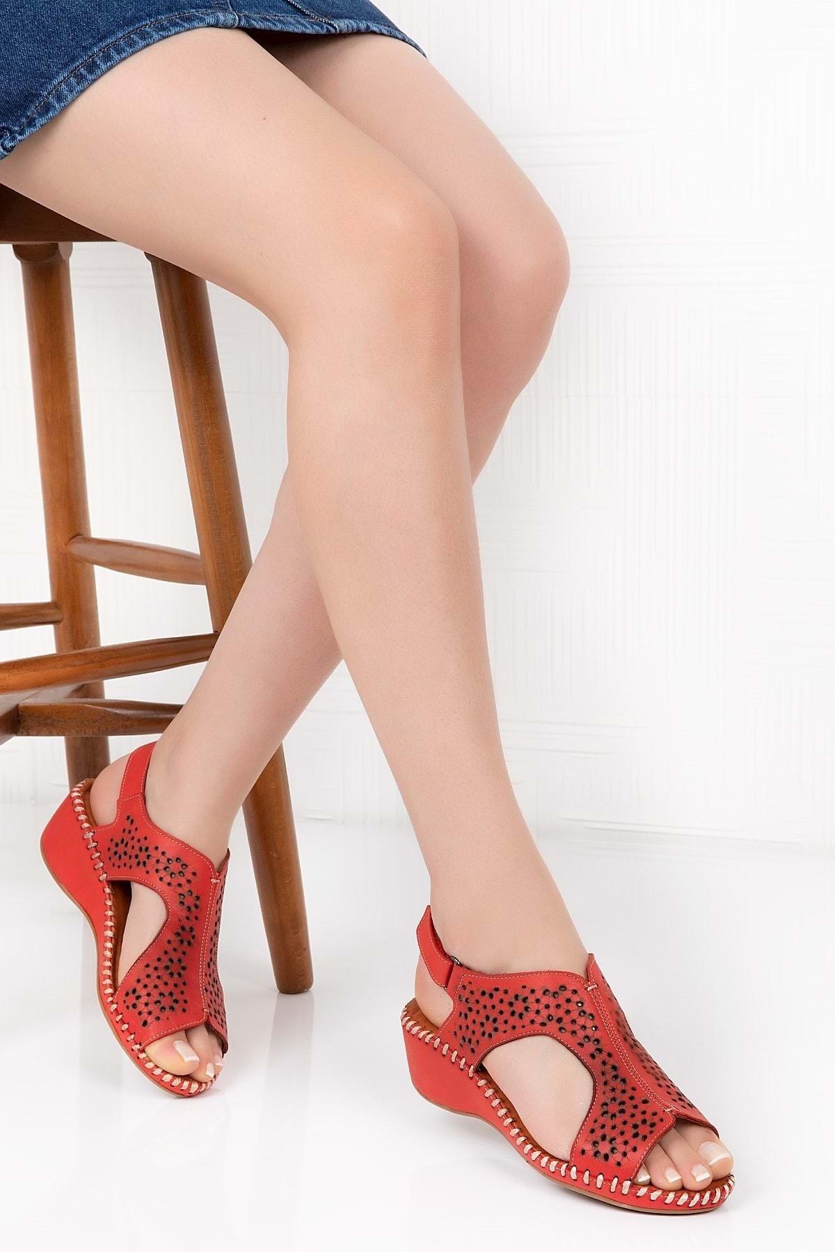 Gondol Kadın Kırmızı  Deri Anatomik Taban Sandalet 1