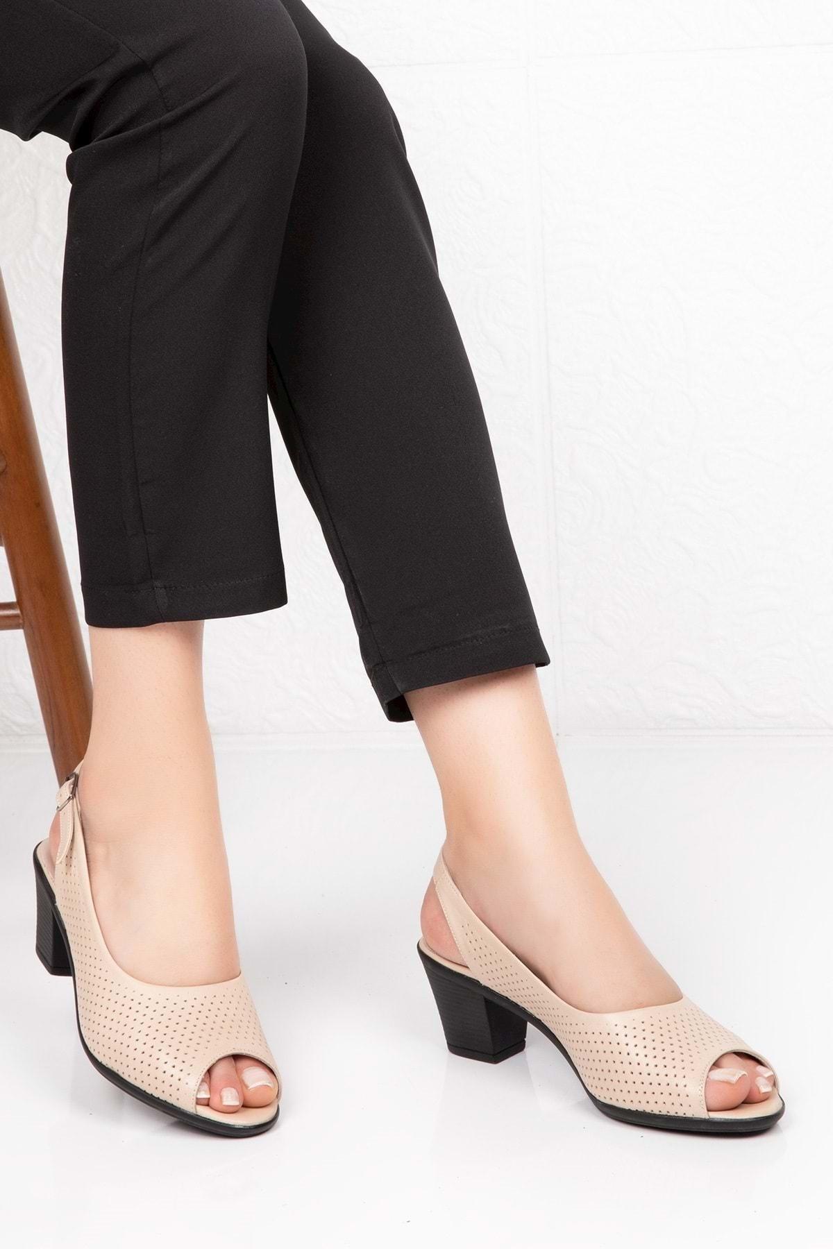 Gondol Kadın Bej  Deri Topuklu Ayakkabı 1