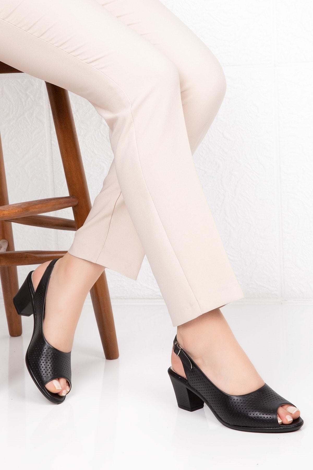 Gondol Kadın Siyah Deri Topuklu Ayakkabı 1
