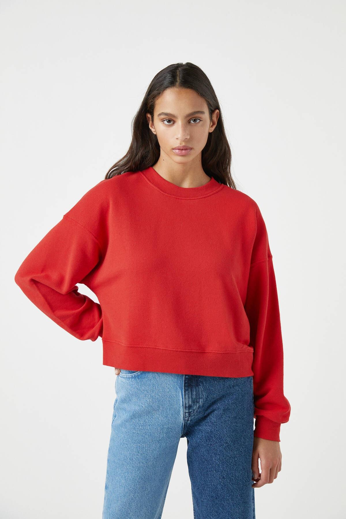 Pull & Bear Kadın Kırmızı Geniş Fitilli Şeritli Basic Sweatshirt. 05596402
