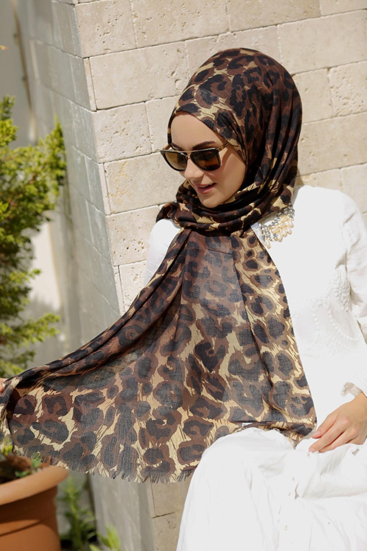 ŞALEVİ Kadın Kahverengi Leopar Desenli Şal 2