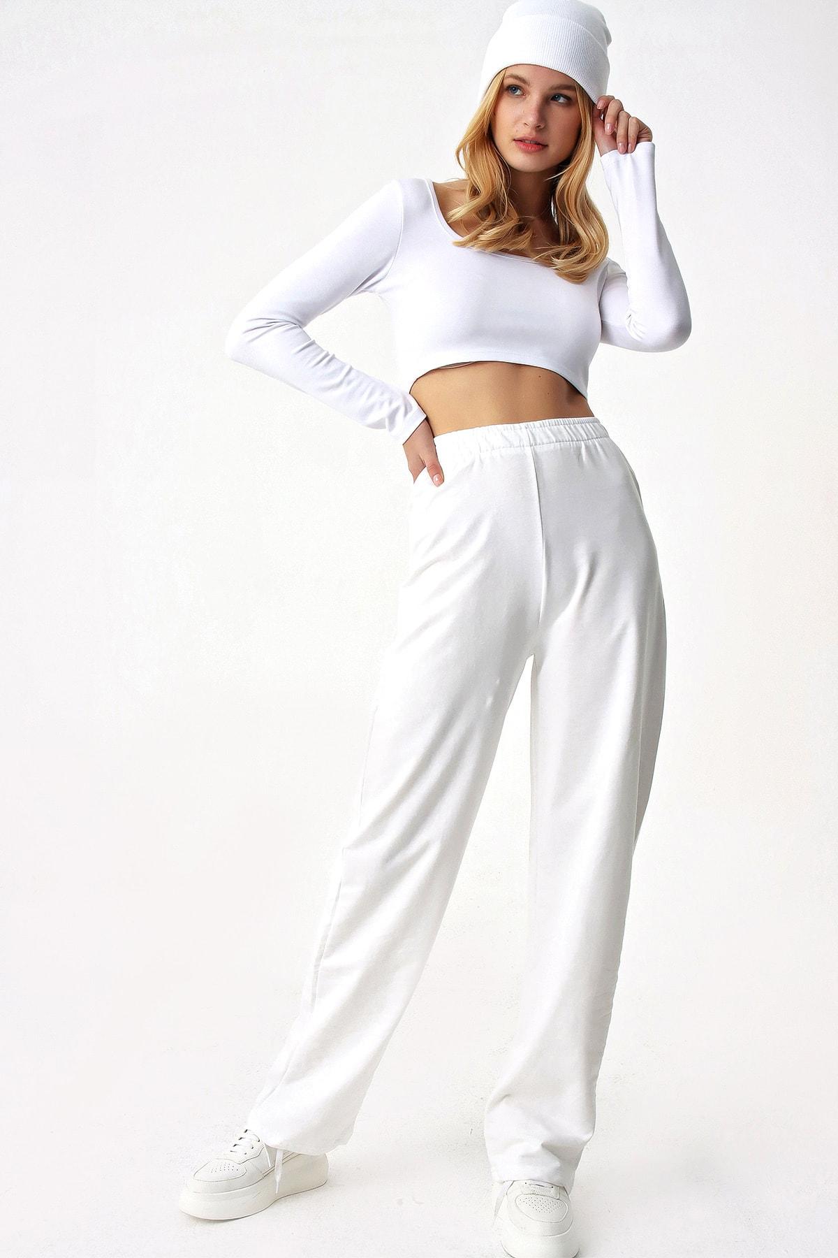 Trend Alaçatı Stili Kadın Beyaz Bol Paça Uzun Eşofman Altı 1