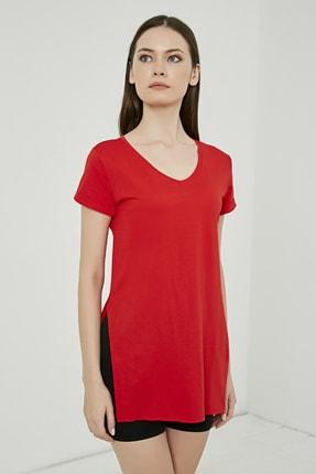 Sateen Kadın Kırmızı V Yaka Yırtmaçlı Uzun Tshirt